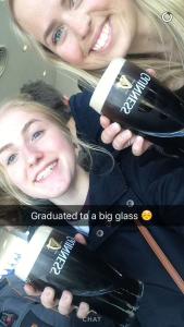 Nyter en Guinness på toppen av verdens høyese ølglass, Dublin