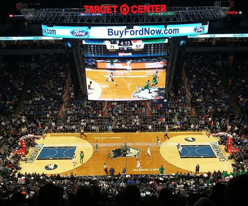 Minnesota Timberwolves sin student night endte dessverre med tap mot Celtics, men billettene er bare $10