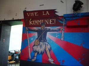 Maleri på veggen inne i Kommunen